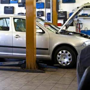 Gutachtervermittlung Karosseriearbeiten Unfallinstandsetzung Werkstattersatz Unfallersatzfahrzeug (PKW, Transporter)