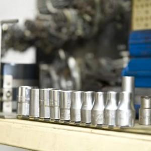Werkstattservice - Einsatz von Spezialwerkzeugen für alle Fahrzeugtypen